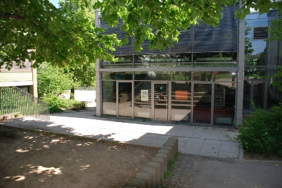 Schülercafé außen